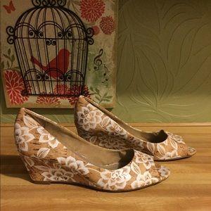 New York Transit heels size 7 1/2